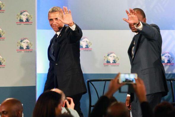 Obama y Uhuru durante la apertura oficial dela sexta Cumbre Global de Em...