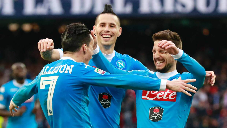 Nápoles sigue líder tras golear al Empoli