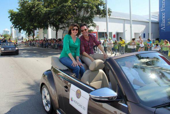 Roger Borges y Alina Mayoazze de Noticias 23
