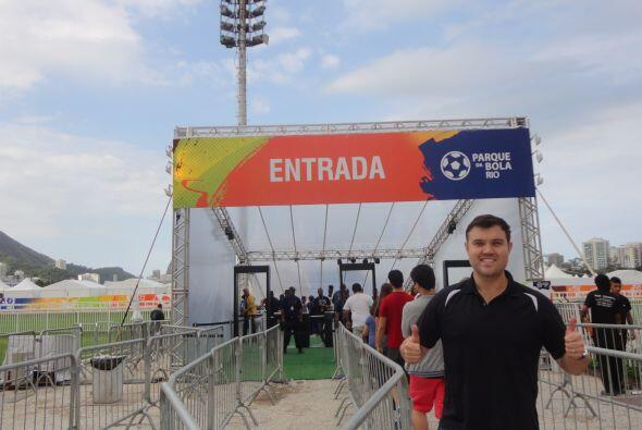 """Alberto entrando al """"Parque de la Bola"""""""