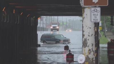 Fuertes lluvias en Chicago dejan varias vías inundadas y causan caos en la movilidad