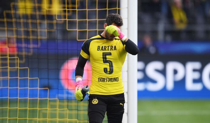 Borussia Dortmund le rinde homenaje a Marc Bartra GettyImages-667702014.jpg