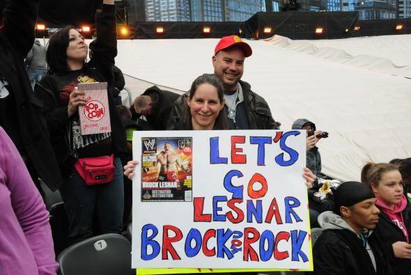Brock Lesnar arrastra sus incondicionales de la lucha y la UFC, aunque e...