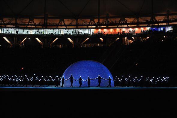 """El espectáculo """"El origen del Mundo abrió en el futurista estadio Ciudad..."""