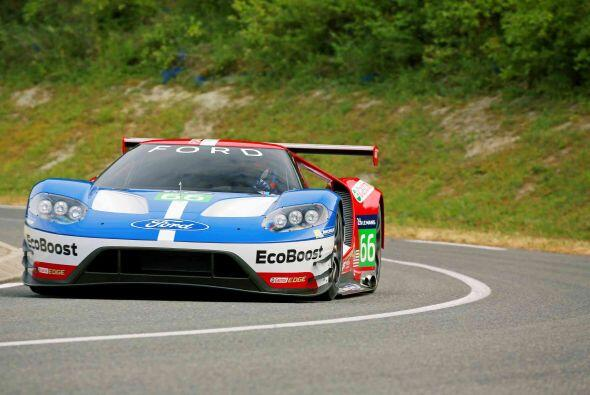 La versión de competencias del Ford GT cuenta con una serie de innovacio...