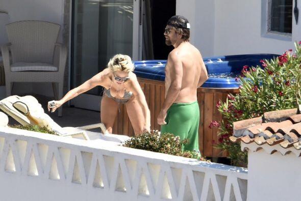 Aun puede darse gusto con sus bikinis.