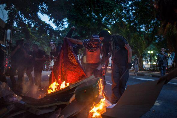 Las protestas se registraron frente al estadio mundialista Arena das Dun...