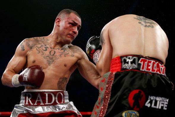 Alvarado se fajó poco, pero cuando lo hacía sacaba la mejor parte.