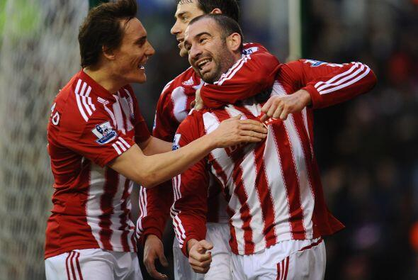 Stoke City venció al Bolton 2 a 0, sumó 3 puntos de oro y mejora en la t...
