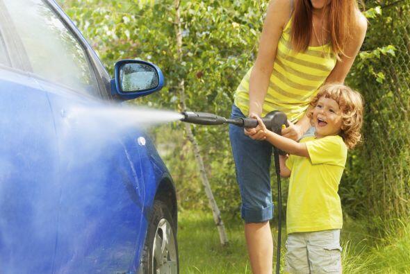 4. Cuponera. Vales a cambio de lavar el coche, ordenar el hogar o cortar...