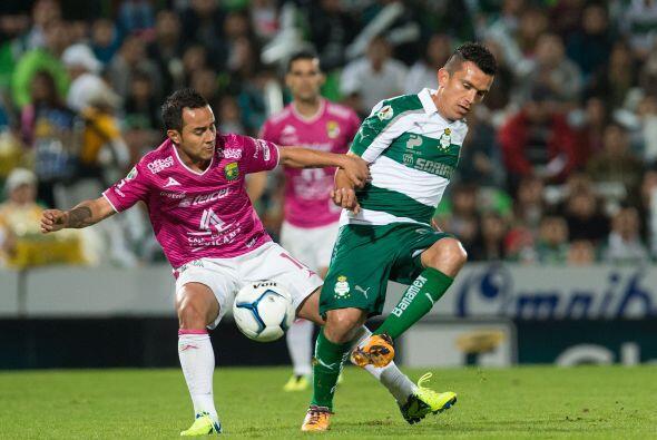 Luis Montes como de costumbre también dio un partido impecable, donde co...