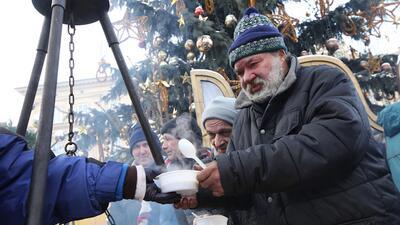 Dar a los menos afortunados es algo precioso para hacer esta Navidad