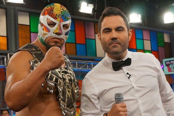 Junto a Enrique se encuentra un gran luchador y extraordinario represent...