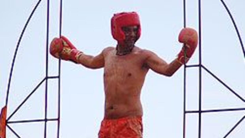 Cuidado Hernán, Diego salió hasta con los guantes puestos.