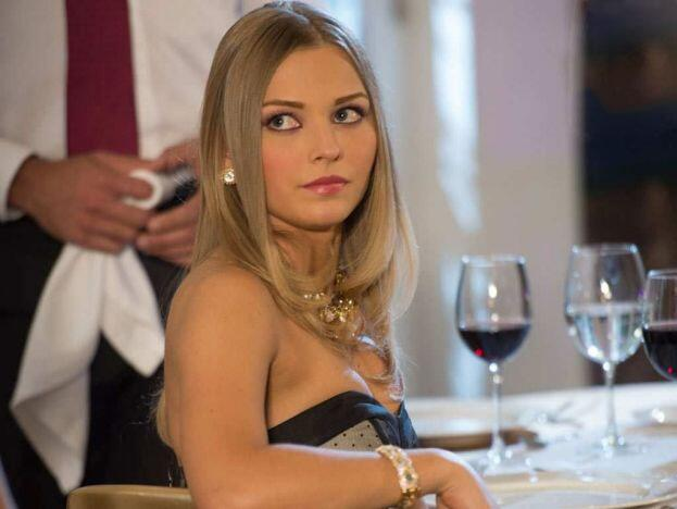 Irina Baeva en Muchacha italiana viene a casarse