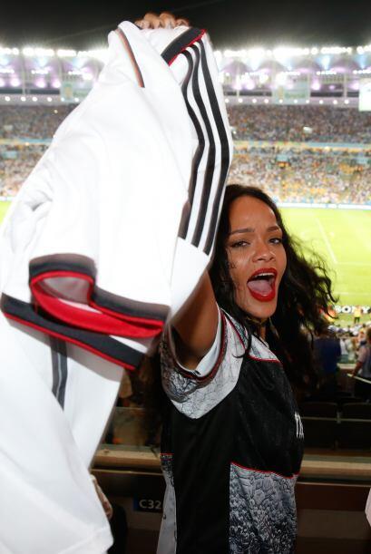 Rihanna se la pasó apoyando al equipo alemán. Mira aquí los videos más c...