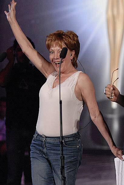 No, no es Laura León, pero sí es Jacqueline Andere imitando el famoso ba...