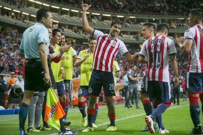 En duelo de golazos, Chivas cae en casa ente Lobos BUAP gol-rodolfo-piza...
