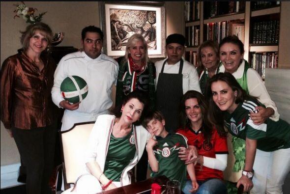 Carla Estrada celebró el triunfo del TRI y dijo en su cuenta en Twitter,...