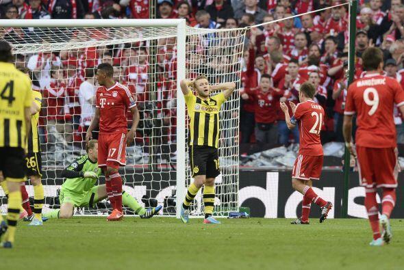 Borussia probó varias de lejo y también en jugada. Neuer fue de los mejo...