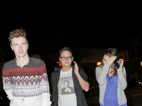 Encontramos a Mila Kunis en una salida nocturna con sus amigos.  Mira aq...
