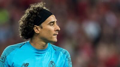Ochoa y Standard buscan mantener vivo el sueño de Champions ante el Ajax