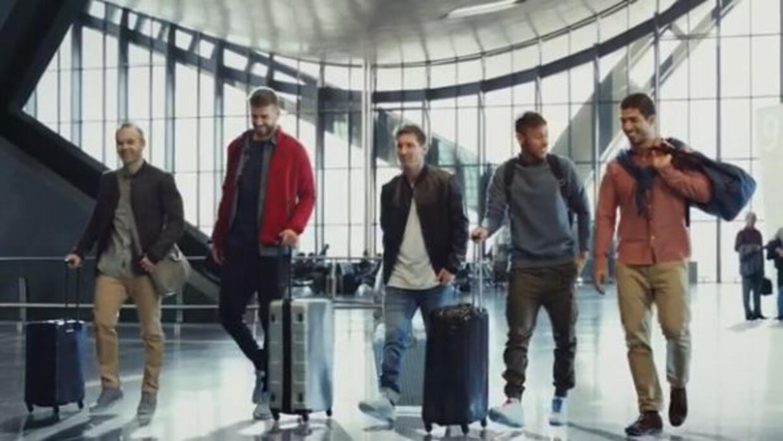Iniesta, Piqué, Messi, Neymar y Suárez estelarizan el anuncio.
