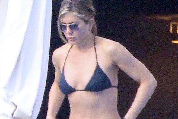 Jennifer Aniston tiene la misma edad y también presume un cuerpo envidia...
