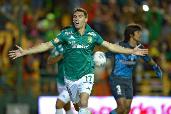 Es la oportunidad de oro para el goleador del León, ya que Boselli puede...