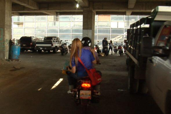 """Las moto-taxi, un negocio en """"La Torre de David""""."""