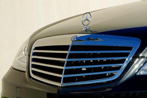 La elegancia del buque insignia de Mercedes-Benz se puede observar en to...