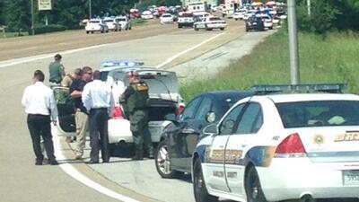 Reportan tiroteo cerca de base naval en Tennessee