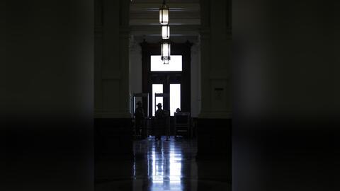 El proceso de la Legislatura texana para reportar incidentes de acoso se...