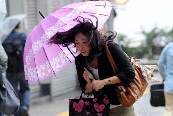 Según la cadena pública NHK, han sido cancelados varías líneas de alta v...