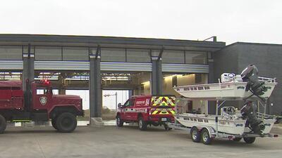 Departamento de Bomberos de Houston se prepara para responder a emergencias por posibles inundaciones