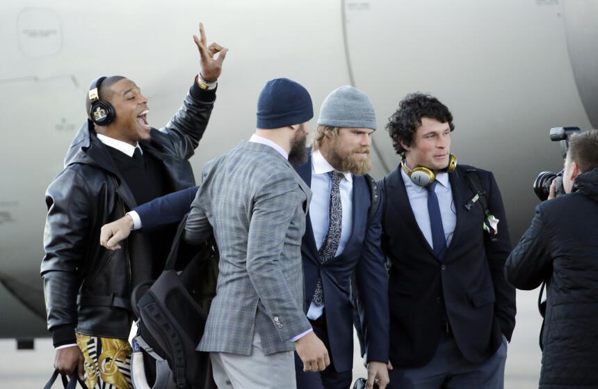Carolina Panthers campeones de la Conferencia Nacional llegaron al Aerop...