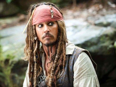 25) Pirates of the Caribbean: The Curse of the Black Pearl. (2003)