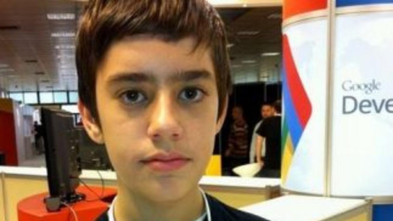 Originario de Grecia, con tan solo 12 años, Nikos Adam ya es parte del e...
