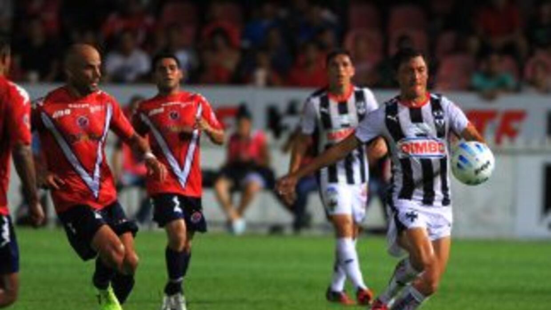 Tiburones Rojos y Rayados jugaron en el Estadio Luis 'Pirata' Fuente.