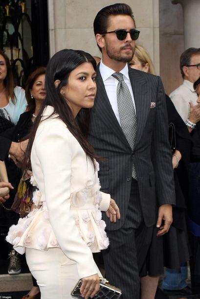 La mayoría de los Kardashian acudieron al palacio para ver antes de la c...