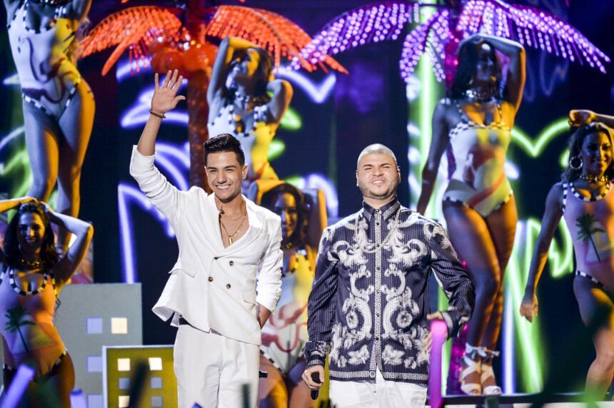 Luis Coronel junto a Farruko nos ponen a bailar con el estreno mundial d...