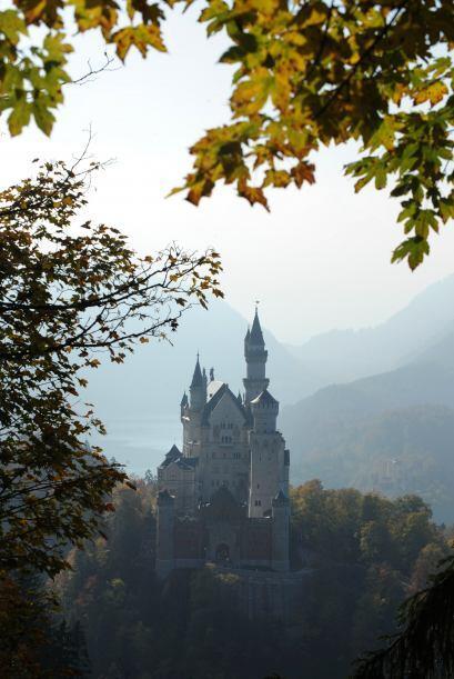 Neuschwanstein, Alemania. Si tu hija sueña con ser la princesa Aurora, n...