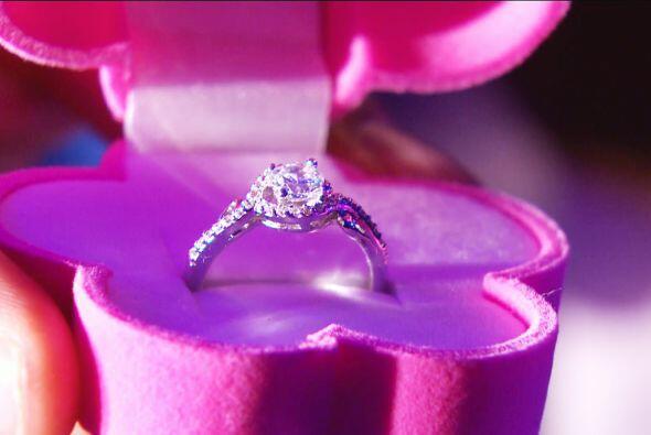 ¡Míralo! Ahora sí se lució con el anillo.