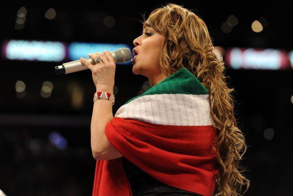 La 'Diva de la Banda', Jenni Rivera, recién casada con el lanzador de Li...