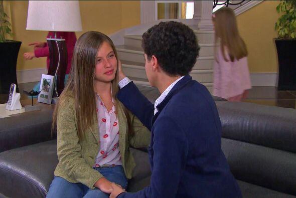 El amor de Alicia regresó de su viaje y pasó a a saludar a todos a la ma...