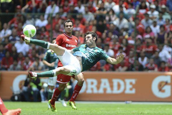 Mauro Boselli.- El delantero de León tuvo una muy buena serie ante Toluc...