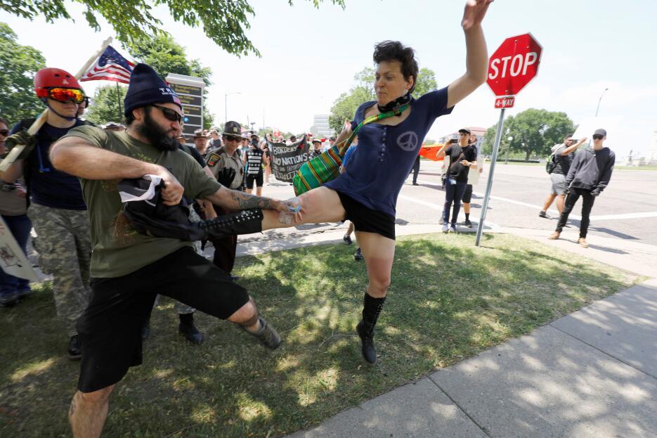 Manifestantes anti-sharia (la ley que hace una interpretación extrema de...