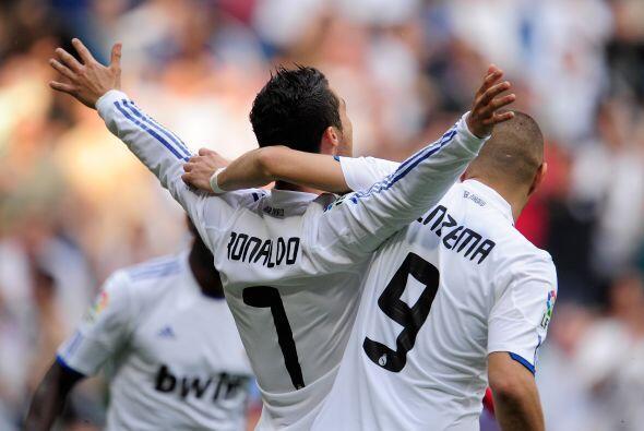 Los delanteros se hicieron un 'festín' con la defensa del Almería.