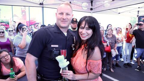 POLICIA Y CARLA