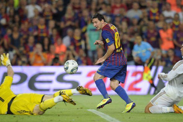 Messi apareció en el área rival y le volvió a aplic...